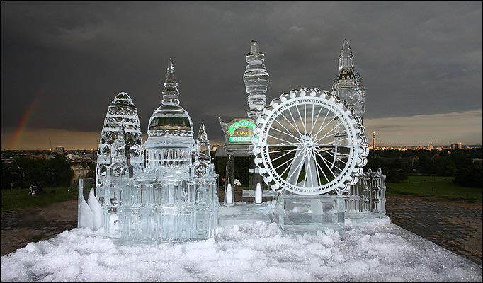 The awesome Ice Sculptures in Moscow