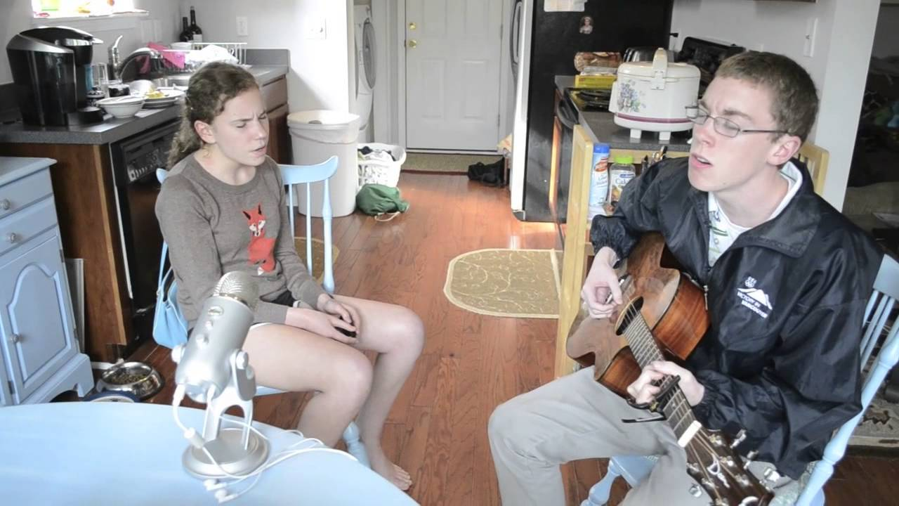 Mom asks them to sing… and it's addictive!
