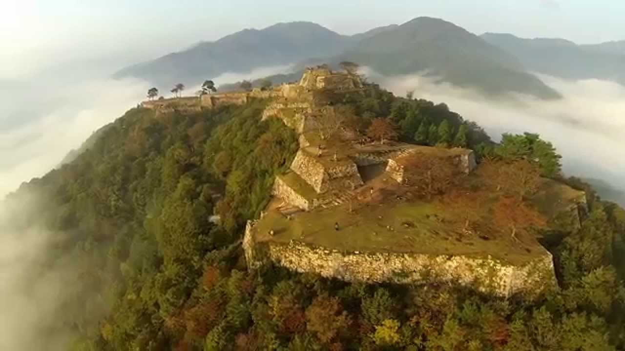 Fabulous footage of the 'floating' Takeda Castle