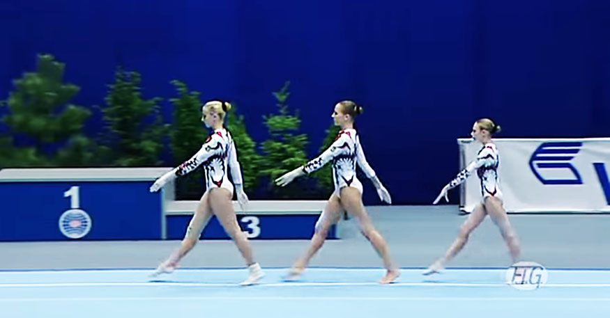 These Tiny Girls Walk Up, Leaving The Crowd Completely Stunned With Their Unusual Moves