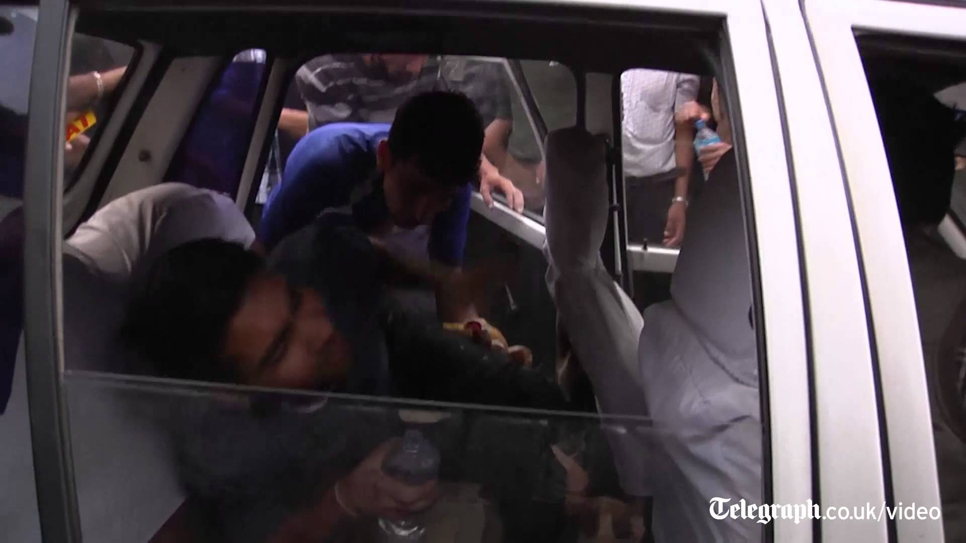 Chaos in Nepal streets after earthquake