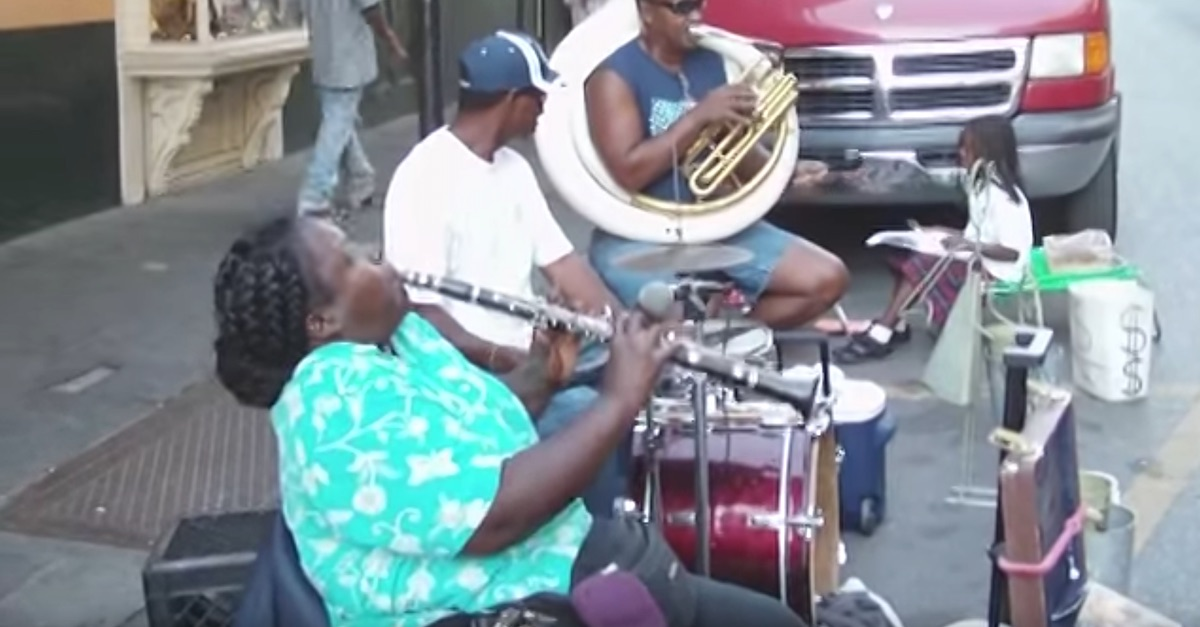 Neighborhood Street Performer Destroys Everything You Ever Thought About The Clarinet