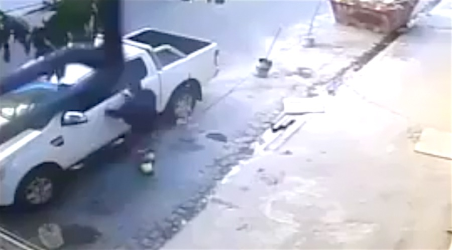 Carjacking Goes Terribly Wrong For Thieving Idiot. Wasted.