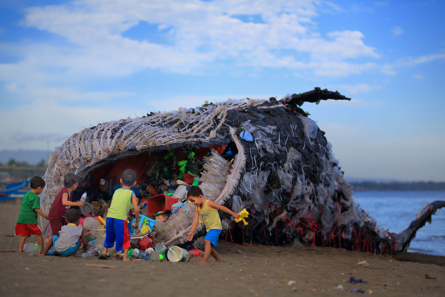 """Dead Whale"" Of Philippines Reminds Us That The Ocean Pollution Is Getting Out Of Control. We NEED to ACT NOW!"